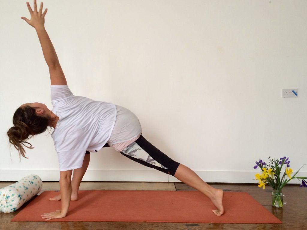Dancing Warrior Vinyasa Flow Yoga Sequence with twist