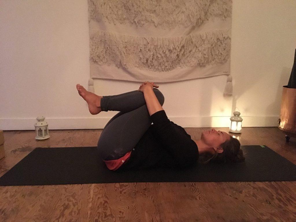 A Cosy Evening Yin 30 Minute Yin Yoga Sequence Shine Yoga